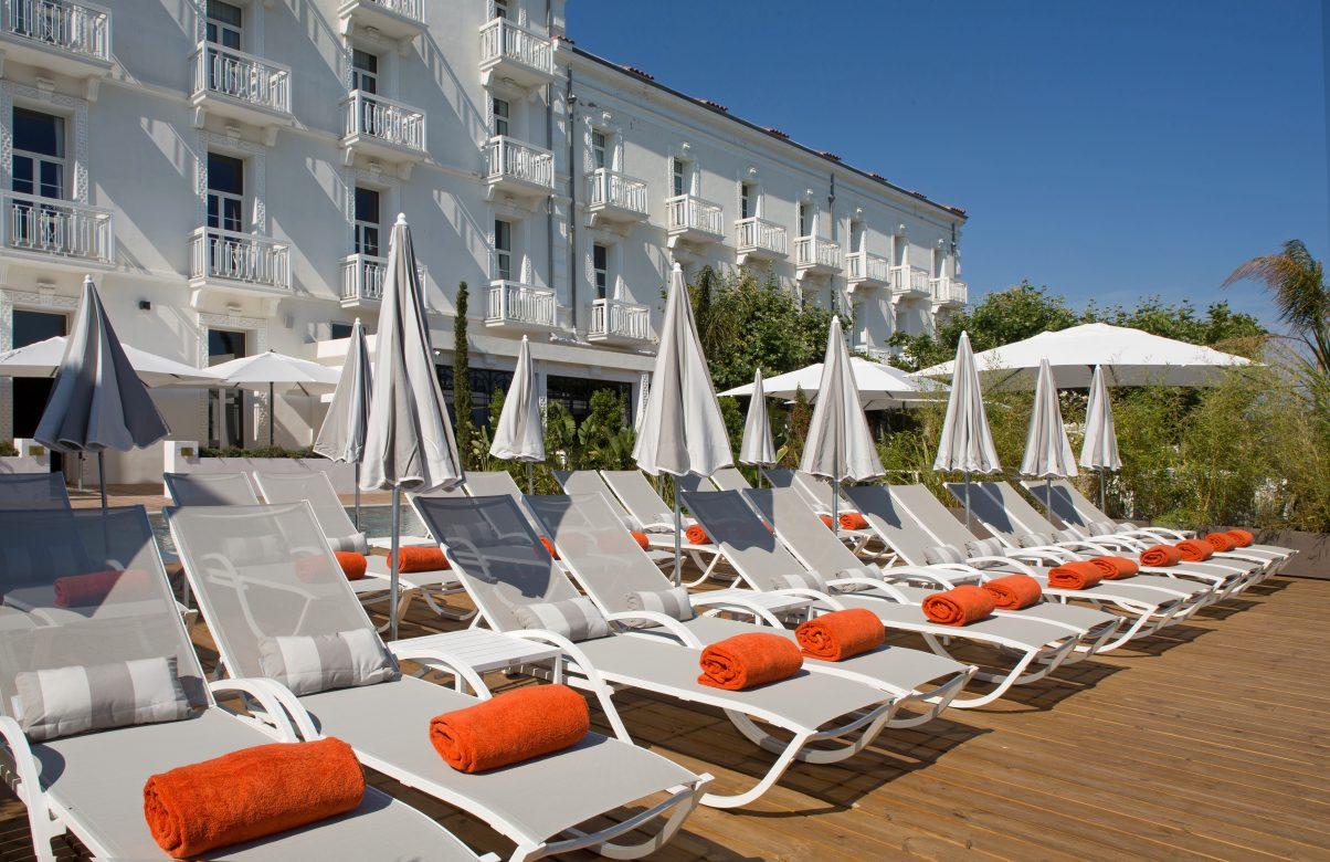 Le Grand Hotel Des Sablettes Plage A La Seyne Sur Mer Face A La Mer